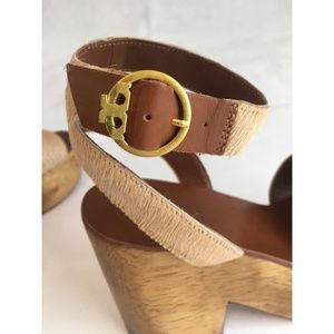 30a9350fbe91 Tory Burch Shoes - Tory Burch Camilla 100MM Tan Leather Sandals Sz 8